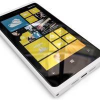 Nokia выпустила обновление для экрана Lumia 920 и 820