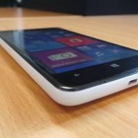 Nokia Lumia 625 начала получать обновление Lumia Black