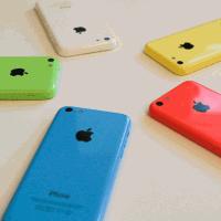 """Бюджетный"" ход от Apple: iPhone 5C 8Gb"