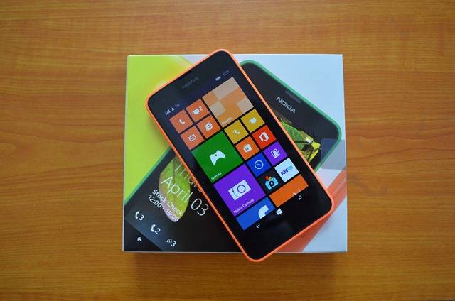 http://wp-seven.ru/wp-content/uploads/2014/05/Lumia-630-review-1.jpg