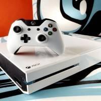Microsoft подтвердили выход белой Xbox One