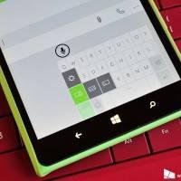 В Windows 10 есть one-handed клавиатура для фаблетов