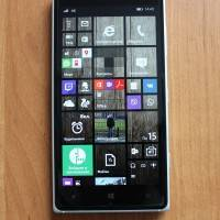 Продам Nokia Lumia 830 (зеленый) в отличном состоянии (Москва)