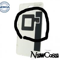 Что находится на внутренней задней крышке Lumia 650?