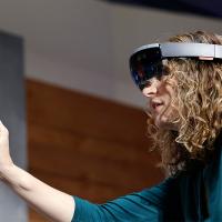 Вышла сборка 17134 для HoloLens