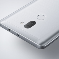 Microsoft начала продавать смартфоны Xiaomi