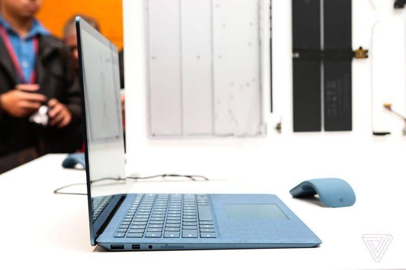 Surface Laptop (12)