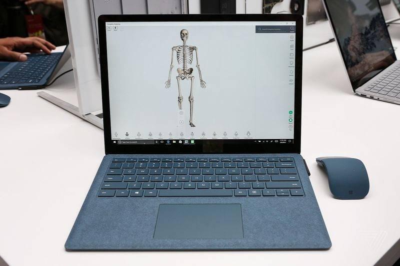 Surface Laptop (13)