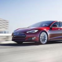 Tesla работает с AMD над созданием кастомного ИИ-чипа для своих автомобилей