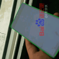 В сети появились фото интересного прототипа Lumia 435