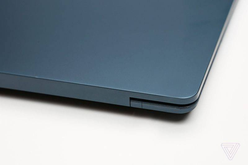 Surface Laptop (10)