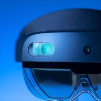 Microsoft начала продажи HoloLens 2