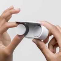 Microsoft перенесла старт продаж Surface Earbuds на весну 2020 года