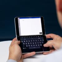 Красивый концепт Surface Duo на Windows 10