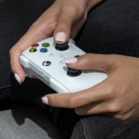 На iOS вышла новая версия приложения Xbox с поддержкой стриминга игр с локальных консолей